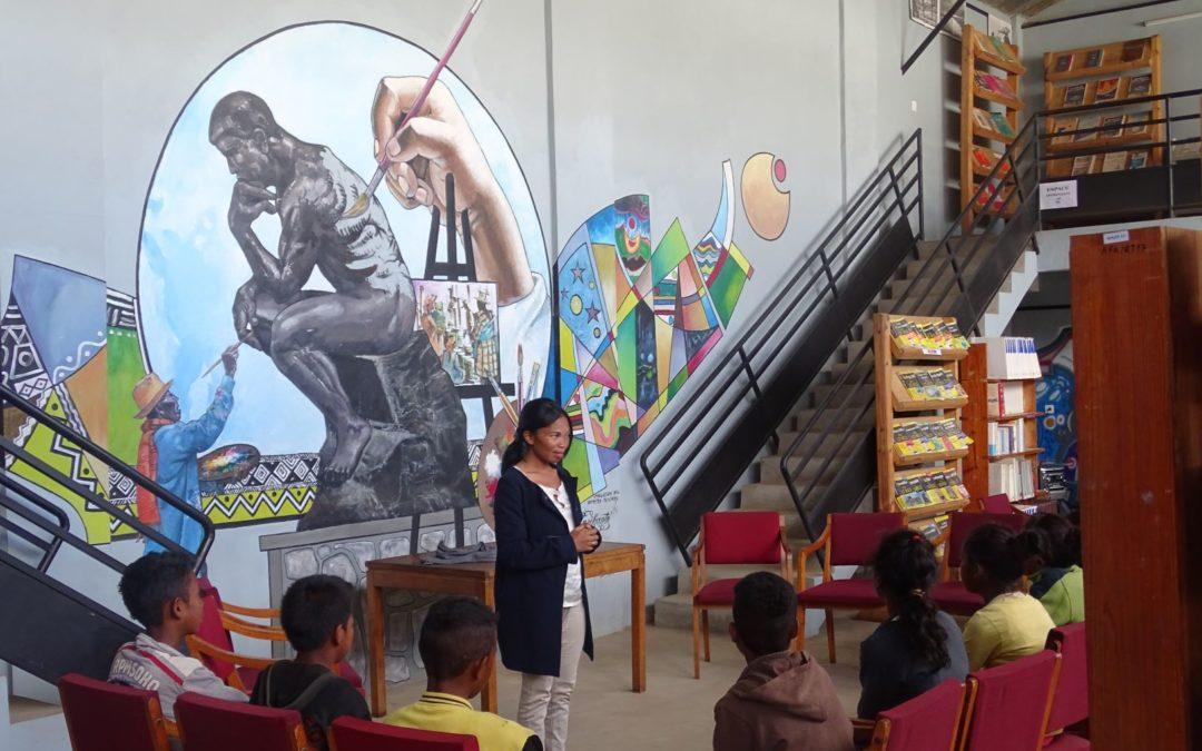 Atelier découverte des métiers à l'Alliance Française d'Antsirabe avec les jeunes de SPV Felana